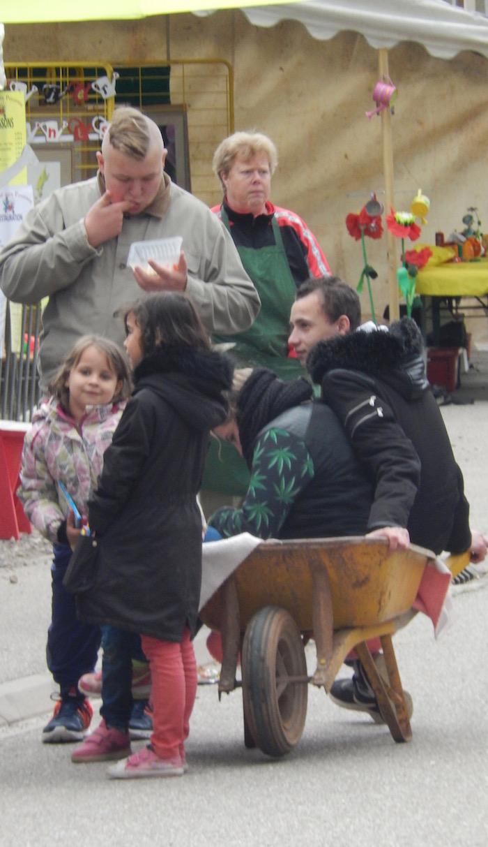 Marché aux Pousses Laronxe Brouetteurs